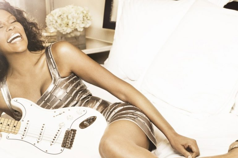 Poslušajte prvi posthumni singl Whitney Houston!