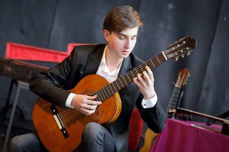 Zvjezdani zvuk mladog virtuoza Zlatka Josipa Grgića!