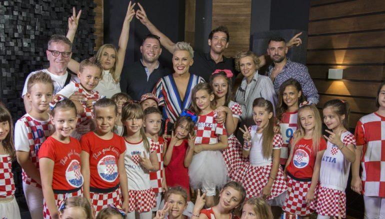 Hrvatske pjevačke zvijezde i Zaprešić boysi zajedno za Hrvatsku!