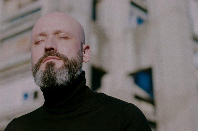 """RECENZIJA: Aljoša Šerić: """"Što ćemo raditi do kraja života?"""" – ispovijedi vječnog debitanta"""