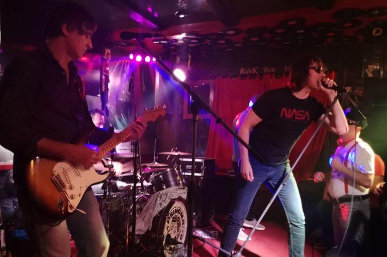 IZVJEŠĆE: Psihomodo Pop u Rock baru King u Đakovu – osjećam se haj…