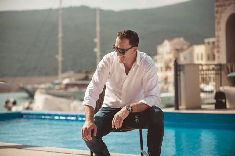 """Sergej Ćetković novom pjesmom """"Ljubav"""" najavio veliku turneju po Jadranu!"""