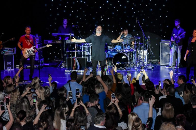 Tony Cetinski uz najvjernije obožavatelje najavio turneju #samoljubav!