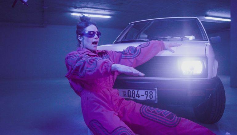 """Barbara Munjas odličnim  singlom """"RIght Place & Right Time"""" najavljuje debi album!"""