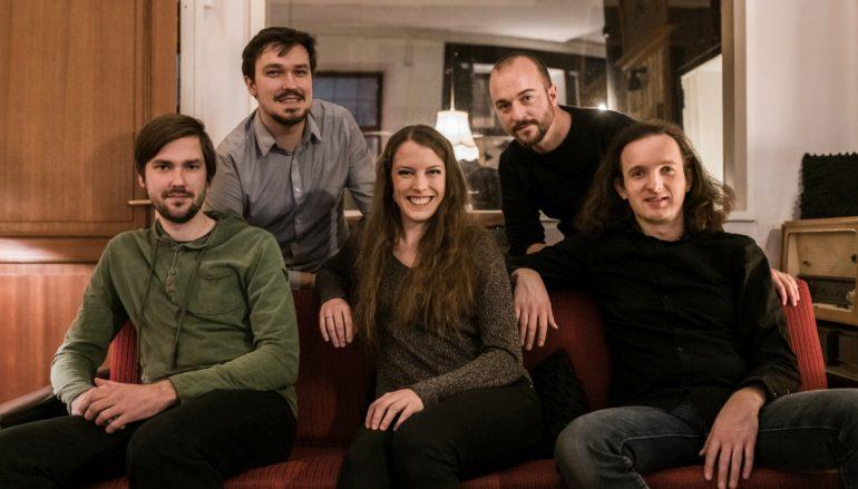 Vrlo lijepi slovenski etno projekt Ethnotrip predstavio pjesmu o neobjašnjivoj ljubavi i strasti!