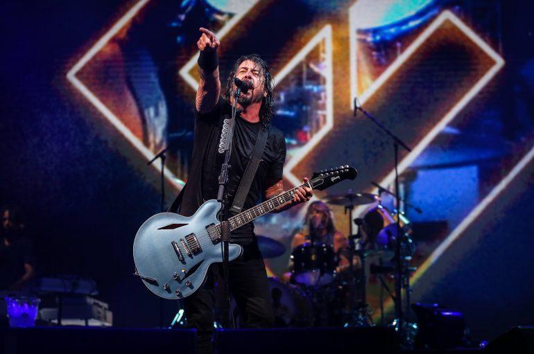 "Dave Grohl slavi rođendan uz novu pjesmu ""Waiting On A War"""