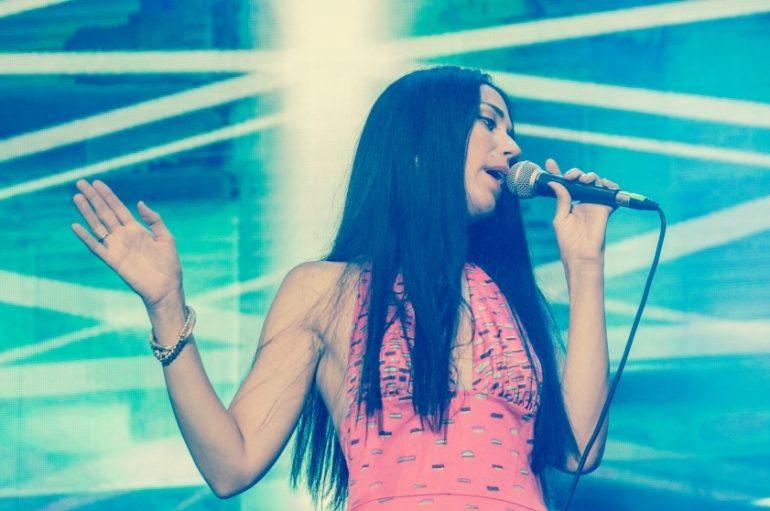 """Konstrakta iz Zemlje gruva objavila prvi solo singl """"Žvake"""""""
