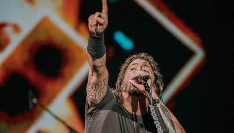 FOTOGALERIJA: Foo Fightersi fenomenalnim koncertom započeli dvodnevni boravak u Puli