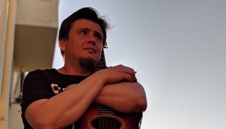 Drito Konj na Bandcampu objavio novi solo album posvećen Danu Divjaku!