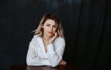"""Ljubav kao vječna inspiracija u novoj pjesmi Adrijane Baković """"Srce to zna"""""""