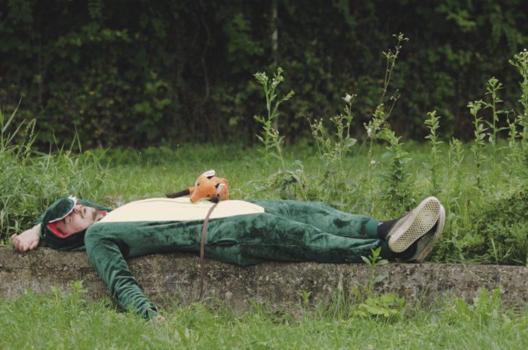 """Mnogi idu na more, a Drugi u šume! """"Dinosaur"""" ima važnu poruku!"""