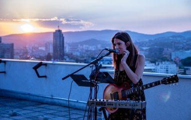 Sara Renar u novoj pjesmi slavi ljubav prema glazbi i ljudima, ali govori i o surovosti svijeta
