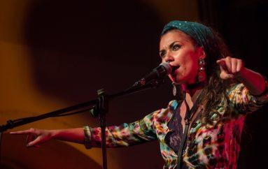 Program Akustika u novu godinu ulazi nastupom Aklee Neon