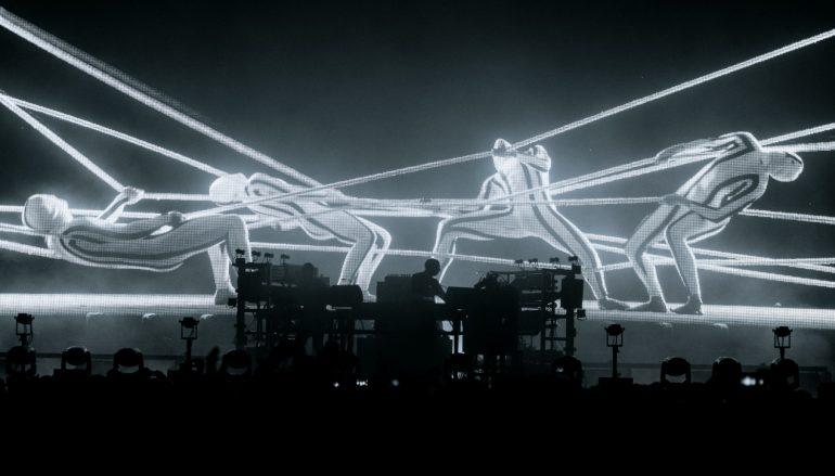 Sve je spremno za Chemical Brothers spektakl!