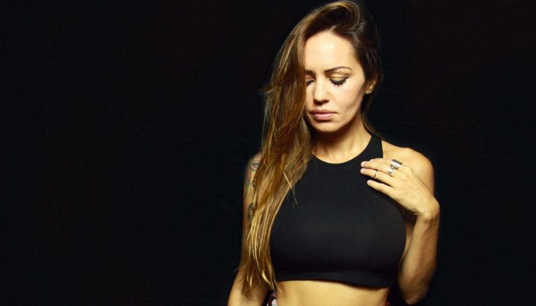 Stiže 2020. godina, a s njom i novi susret zagrebačke publike s atraktivnom Deborah de Luca