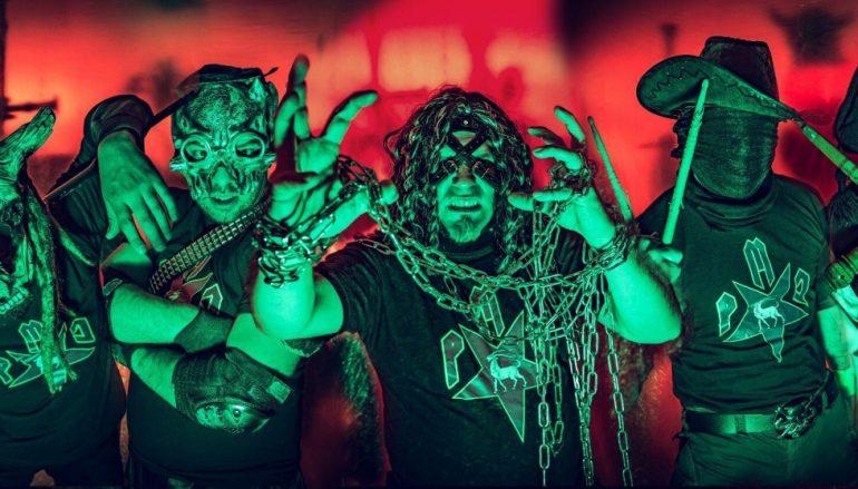 """Imamo prvu božićnu metal pjesmu! """"Djed Mrz"""" snimio bend Po' Metra Crijeva!"""