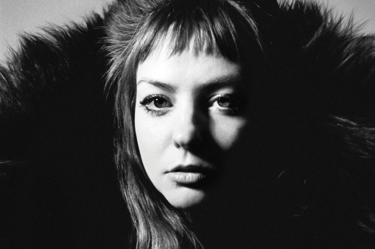 "Američka kantautorica Angel Olsen najavila novi album pjesmom ""Whole New Mess"""