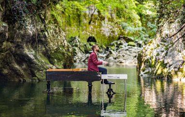 Pijanist Zvjezdan Ružić predstavio publici svoju bajku na vodi