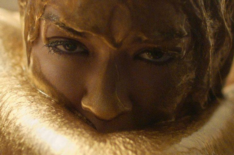 Rita Ora u novoj pjesmi o osjećajima, nesigurnostima, strahovima, ali i ljubavi prema samoj sebi