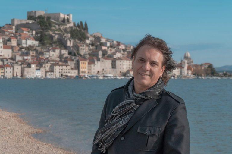 Alen Slavica novu pjesmu posvetio moru, a spot je snimao u prekrasnom Šibeniku