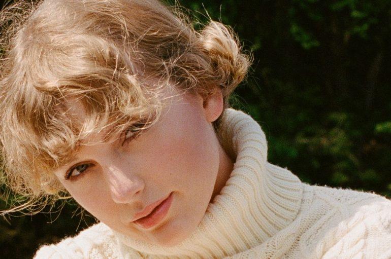 """RECENZIJA: Taylor Swift: """"Folklore"""" – intimistički album neuništivog branda pop glazbe"""