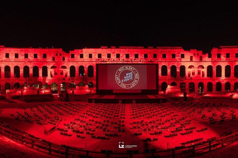 Zagrebačka i pulska Arena zasvijetlile u sklopu globalne inicijative Red Alert