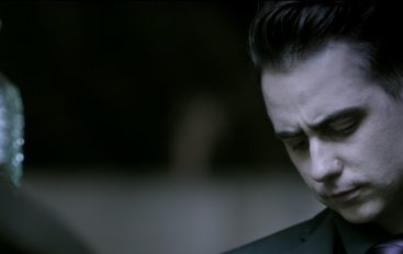 The Gentleman u Začaranoj Močvari premijerno predstalja svoj novi singl Hide & Seek!