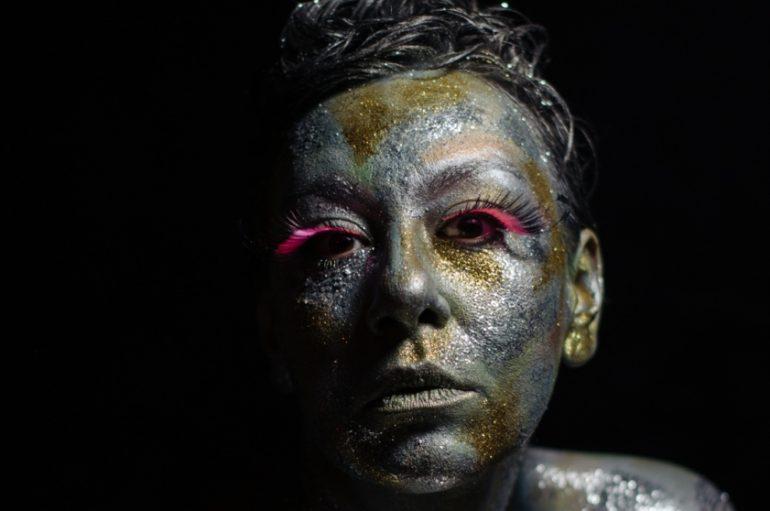 """Je Veux uz novi singl """"Lovable"""" objavila i debi album """"I Glow"""""""