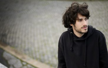 "Miki Solus predstavio ""Hamburgere, kvizove i Craft pive"" – novi studijski album"