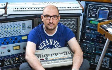 """Eric Destler (Boris Đurđević) predstavlja neonsku glazbenu poslasticu """"Neon Lights"""""""