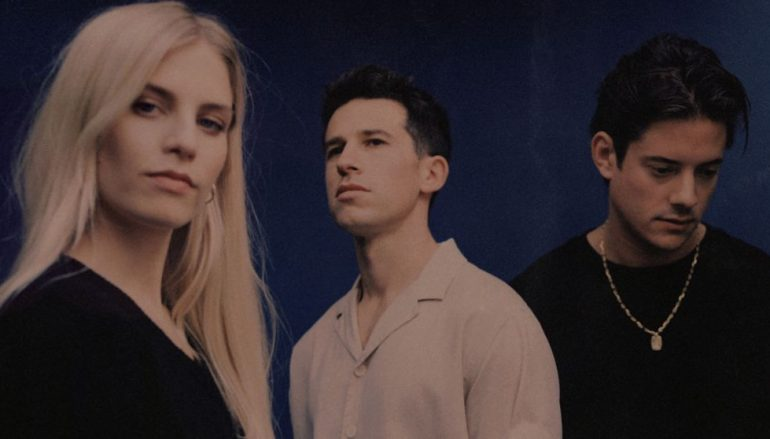 London Grammar odmah po izlasku albuma zasjeli na 1. mjesto UK charta