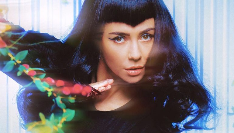 Marina Diamandis (ex Marina and the Diamonds) u novom singlu prolazi kroz teme od feminizma do okoliša