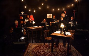 FOTO: Rade Šerbedžija virtualnim koncertom oduševio publiku u cijelom svijetu