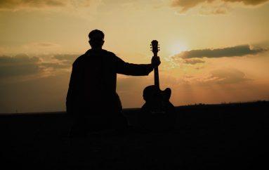 PREMIJERA: Sunnysiders novim mračnim singlom podsjećaju na prolaznost života i važnost nematerijalnih vrijednosti