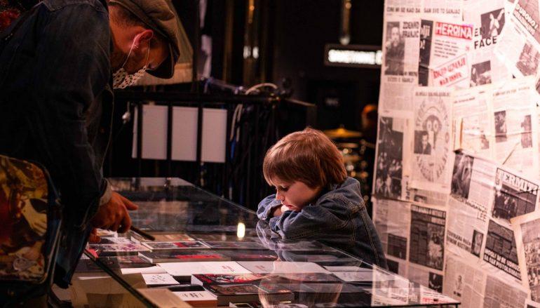 FOTOGALERIJA: Puno je razloga da posjetite izložbu pop i rock memorabilija u Tvornici kulture