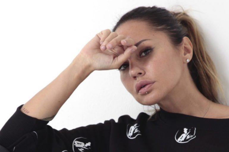 Atraktivna DJ-ica Deborah De Luca nova je zvijezda Zadar Sunset Festivala