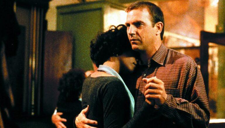 """""""Tjelohranitelj"""", hit film s Kevinom Costnerom i Whitney Houston, dobit će remake"""